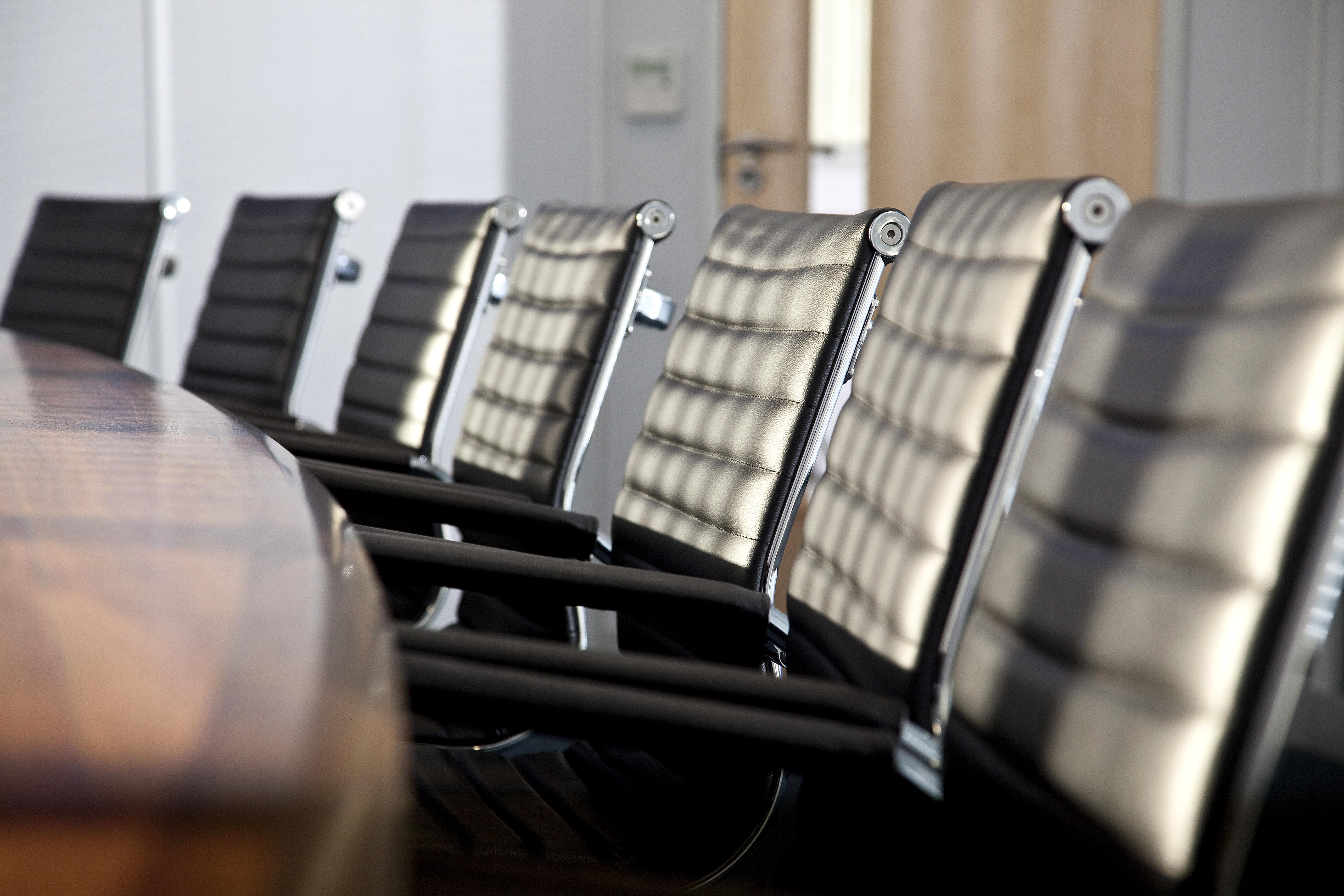 Corporate office interior design interior office design for Office design regulations uk