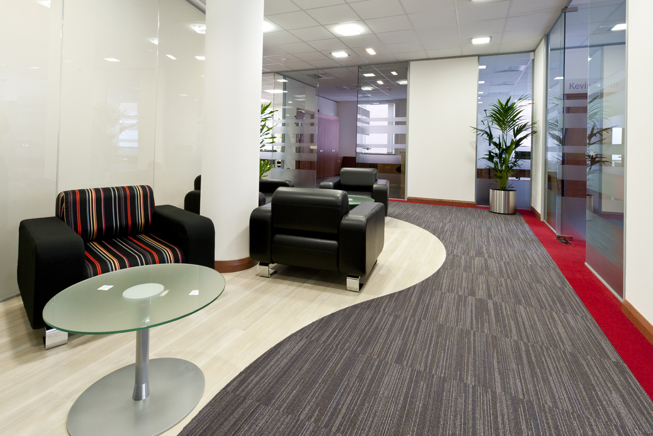 Exceptional Plain Office Flooring Ideas Madrid For Web Hosting Company Located