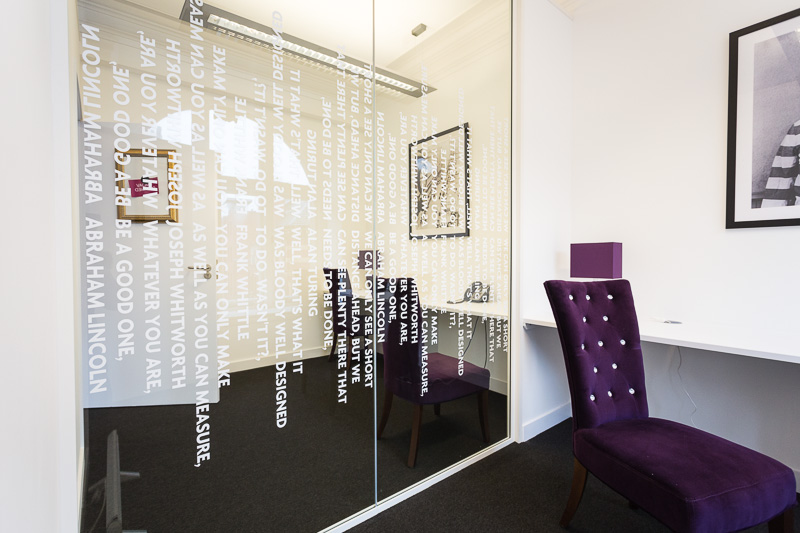 Transform The Look Of Your Workplace With Office Dividers